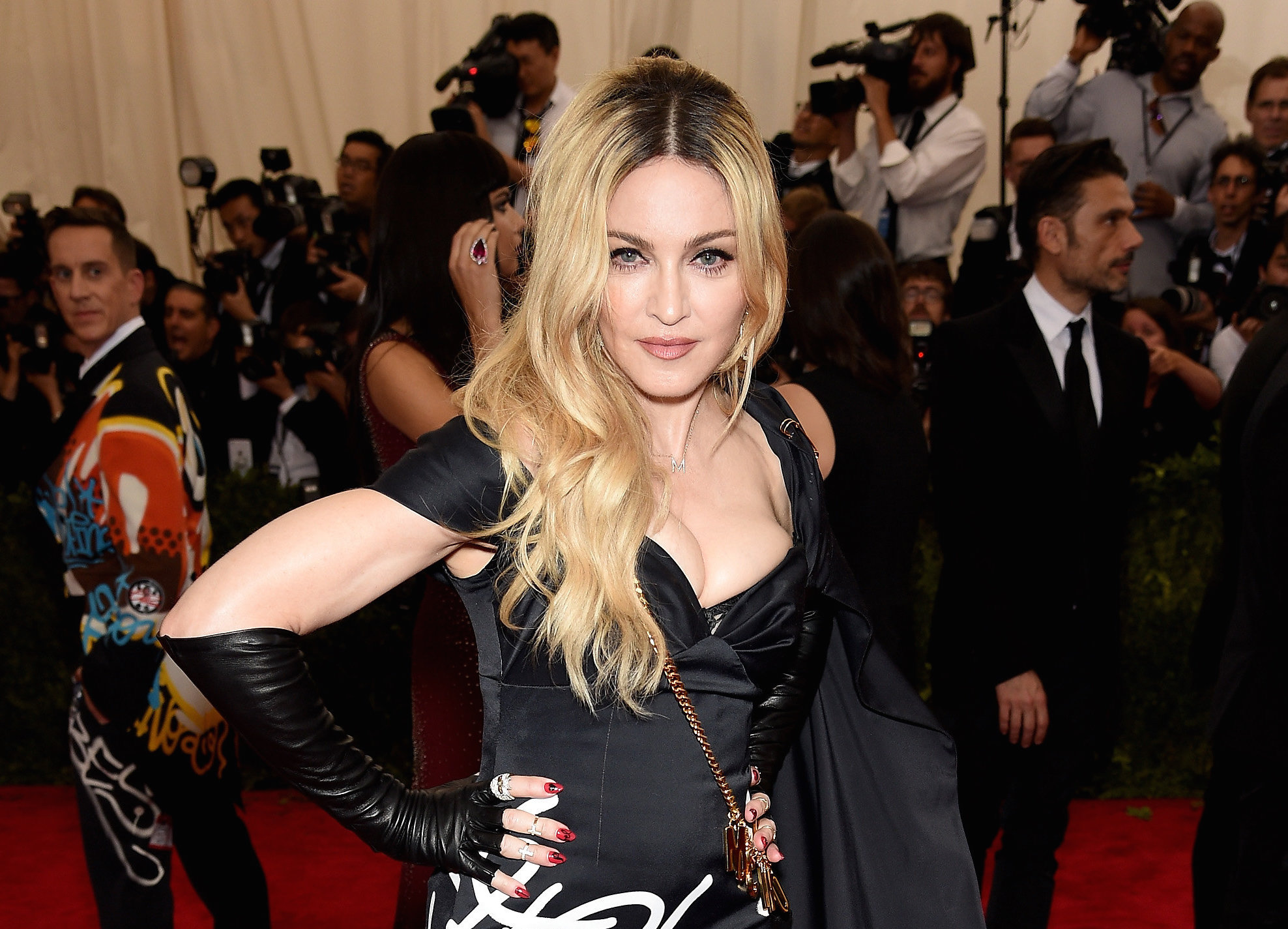 chapter-fifty-madonna-met-gala-2015-mosc