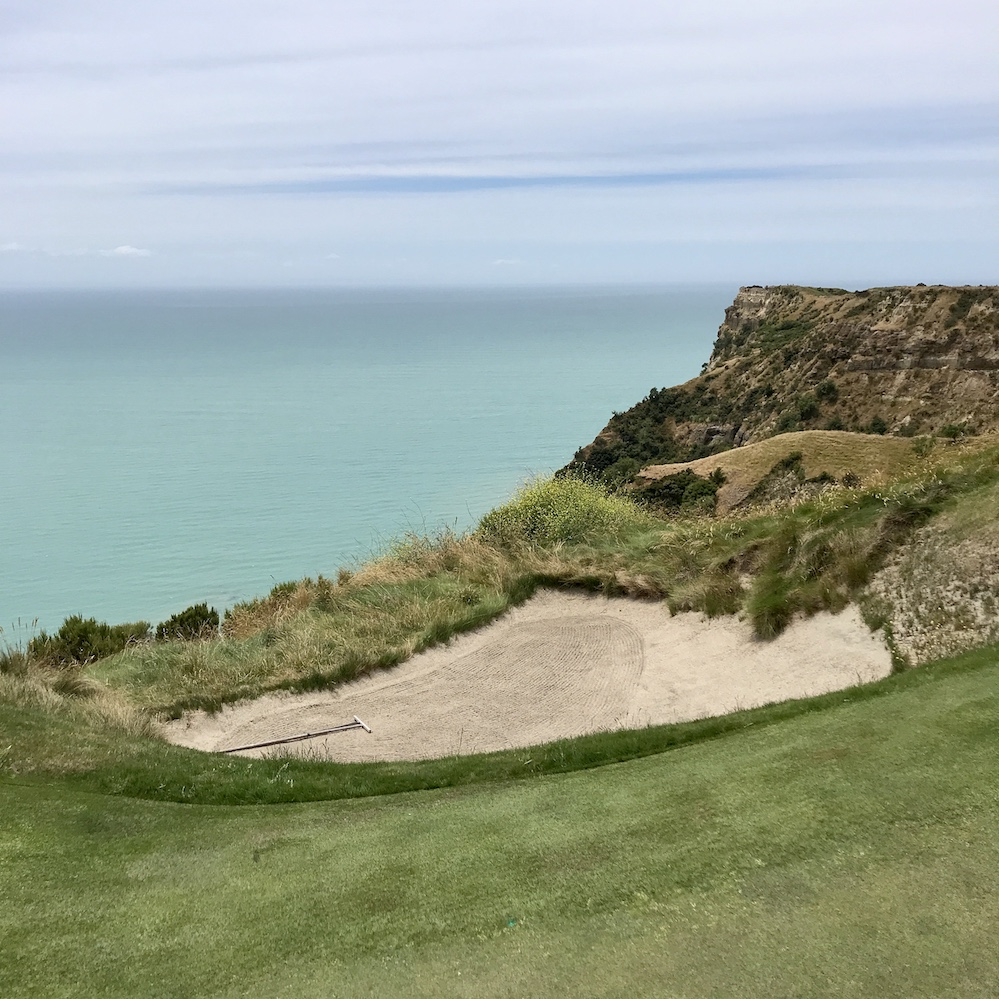 new zealand cape kidnappers golf
